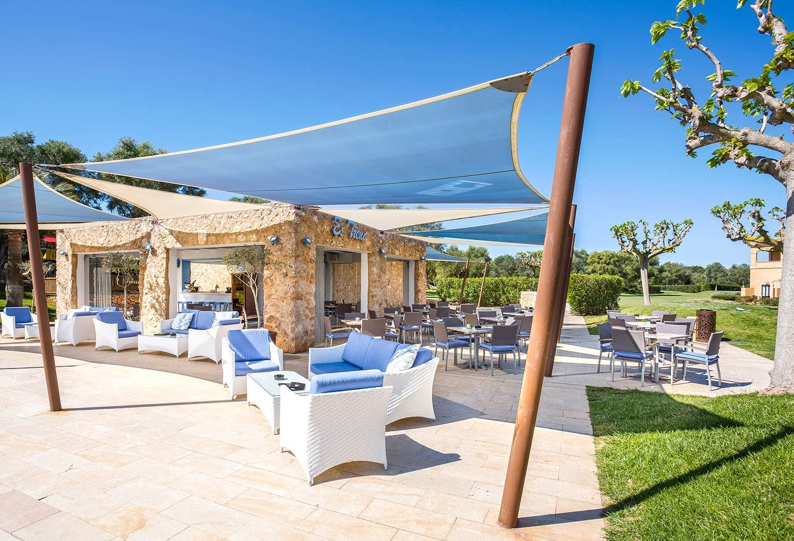 Bar Piscina, Be Live Collection Son Antem