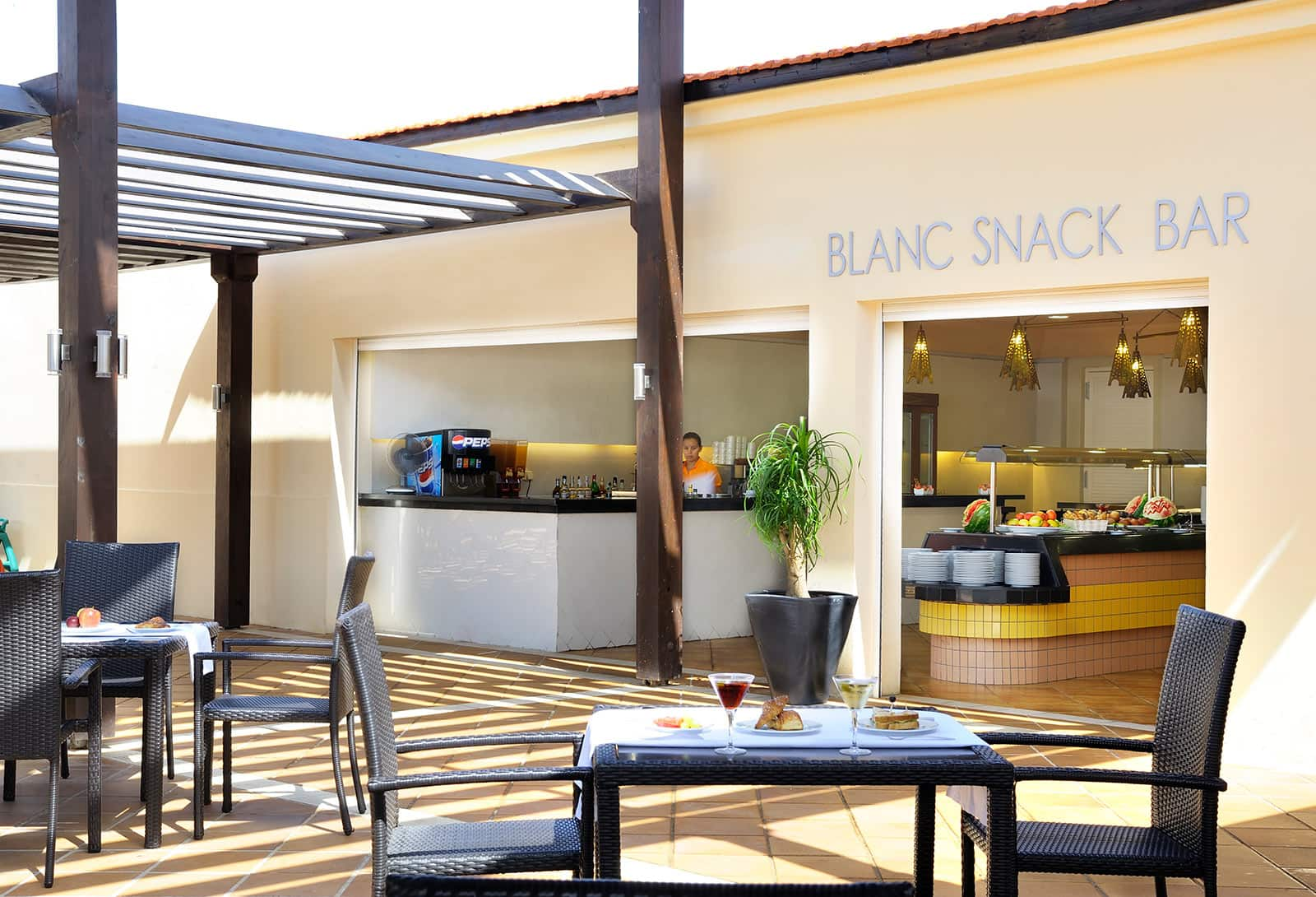 Blanc Snack Bar Hotel Be Live Grand Saïdia