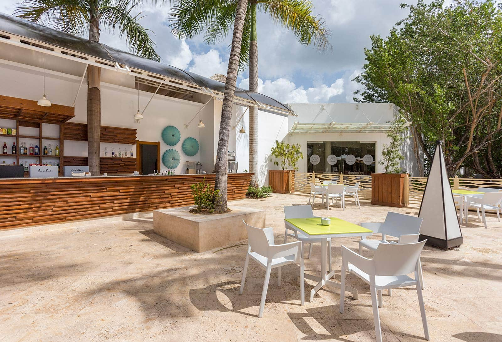 Plaza Bar, Be Live Collection Canoa